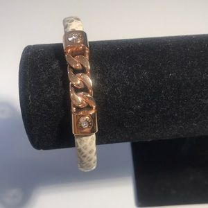 Henri Bendel status link hinged cuff bracelet